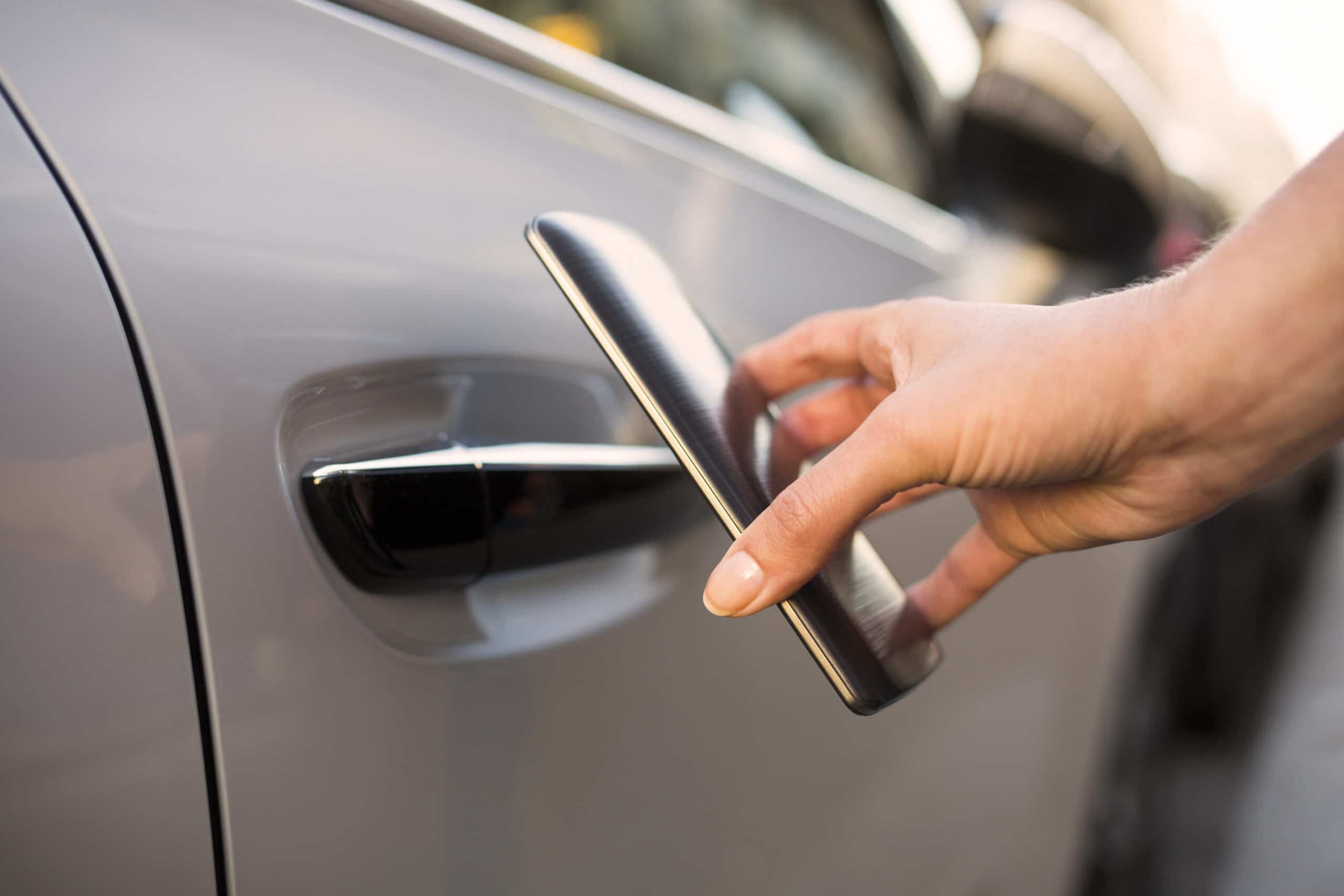 Automotive keyless entry NFC